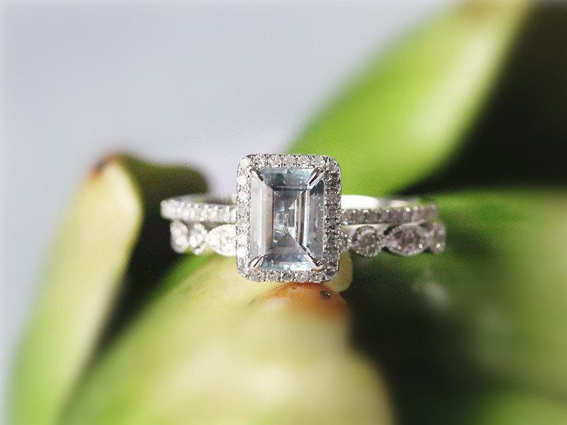 Свадьба - 5x7mm Emerald  Cut Aquamarine 14K White Gold Aquamarine Engagement Ring Set Wedding Ring Anniversary Ring Set