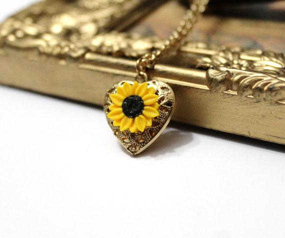 Hochzeit - Sunflower Heart locket necklace, Gold Sunflower, Locket Wedding Bride, Bridesmaid Necklace, Birthday Gift, Sunflower Photo Locket