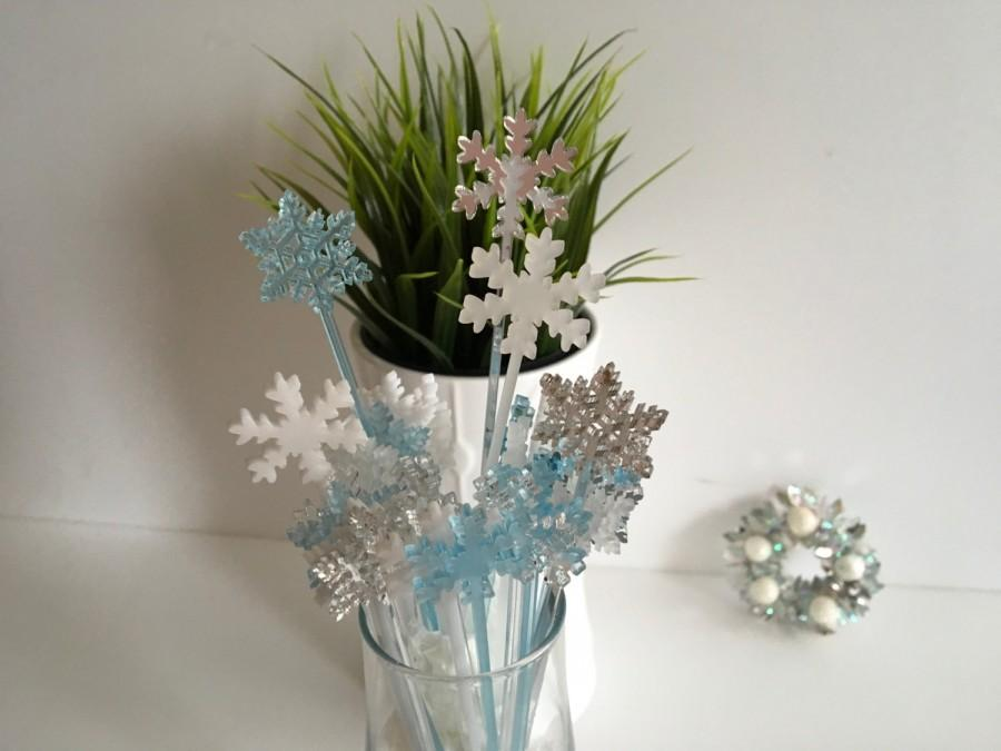 Hochzeit - Wedding Drink Stirrers,  Winter Weddings, Happy New Year Drink Stirrers, Snowflake Cocktail Stirrers, Wedding  Swizzle Stick, Cupcake, 08