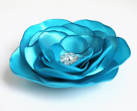 Mariage - ivory flower hair pin, bridal accessory, brides flowers, something blue, rhinestone bead