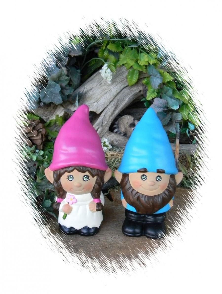 Mariage - Gnome Wedding Cake Topper... The Gnomelyweds  Wedding gnomes Custom painted  .Custom Order just for you