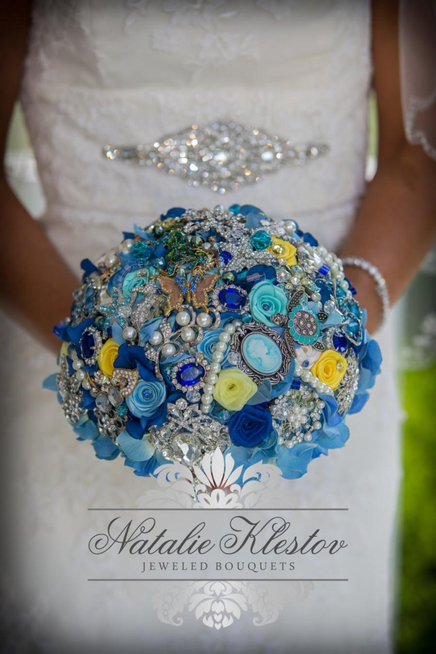 Mariage - Yellow Blue Bridal Brooch Bouquet. Deposit on custom Beach Theme Wedding Bling Diamond Broach Bouquet. Seaside Summer Wedding.