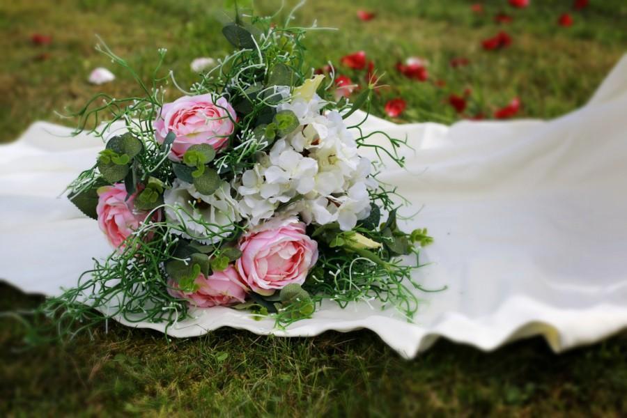 Mariage - SALE 50 % Romantic Wedding Bouquet, Bridal Bouquet, Floral Bouquet, Flower Bouquet, Pink Roses Bouquet, Hydrangea Flowers