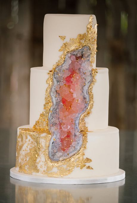 Cake 35 Modern Wedding Cake Ideas 2612023 Weddbook