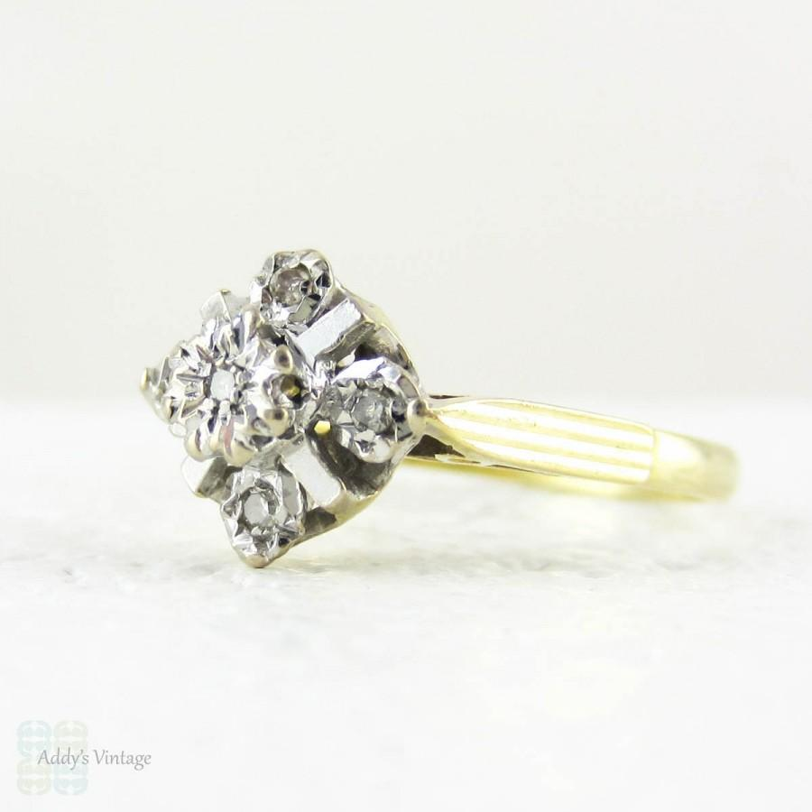 Mariage - Vintage Diamond Engagement Ring, 5 Stone 1970s Diamond Ring Set in Geometric Shape, 18 Carat White & Yellow Gold.