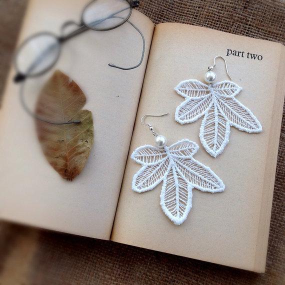 Свадьба - Lace Earrings, Leaf Earrings, Statement Earrings, Ivory Lace, Bridal Earrings, Boho Earrings, Lace Jewery