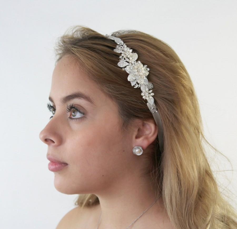 Свадьба - Pearls Flower Bridal Headband, Bella Bridal Headband, Pearl Wedding Head band, Wedding hair accessories, Bridal Headpieces,