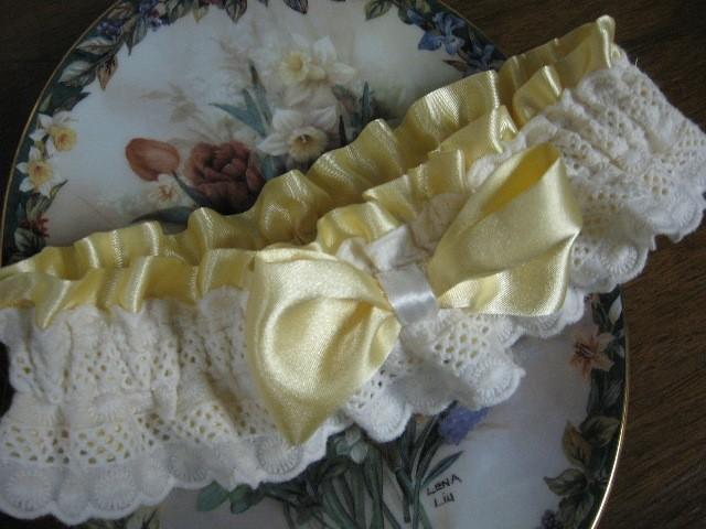 Hochzeit - Yellow Wedding Garter