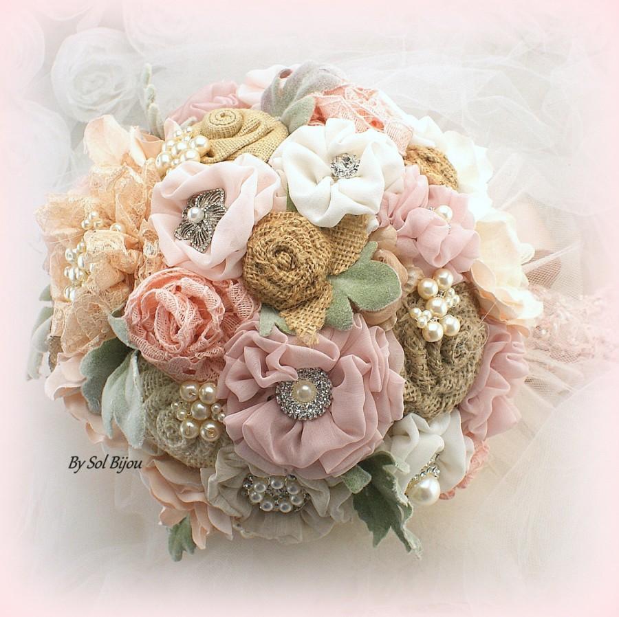 Mariage - Brooch Bouquet, Shabby Chic, Rose, Rose Quartz, Blush, Gold, Ivory, Vintage Wedding, Burlap Bouquet, Wedding Bouquet, Pearl Bouquet, Rustic