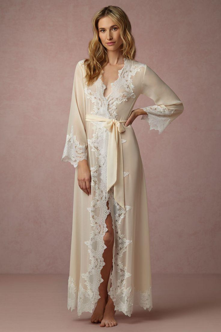 Wedding - Ione Robe