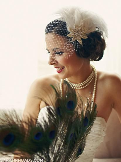 Свадьба - Ivory White Feather Fascinator with Birdcage Veil - Wedding Hair Accessory - Silver Headpiece - Crystal Bridal Accessory - Great Gatsby