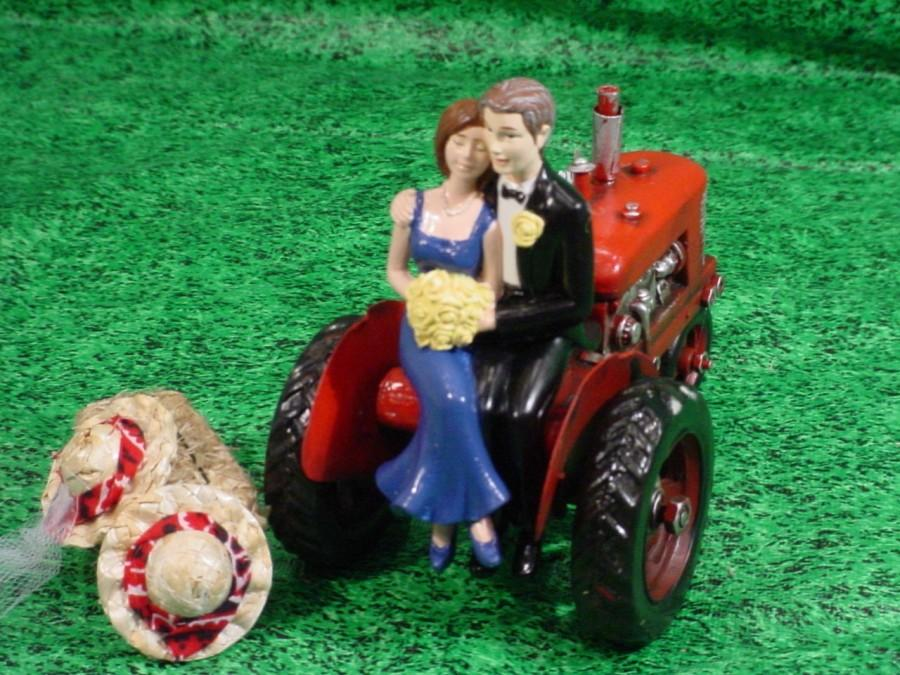 Mariage - Red Tractor Farm County Rustic Custom Wedding Anniversary Vow Renewal Cake Topper-Take a break from the Hay Farm to Marry my best friend-B1