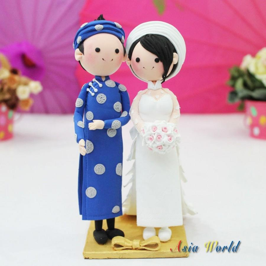 Свадьба - Vietnam Traditional beautiful Ao Dai Wedding cake topper clay doll, Engagement party decoration clay figurine, Bridal shower clay miniature