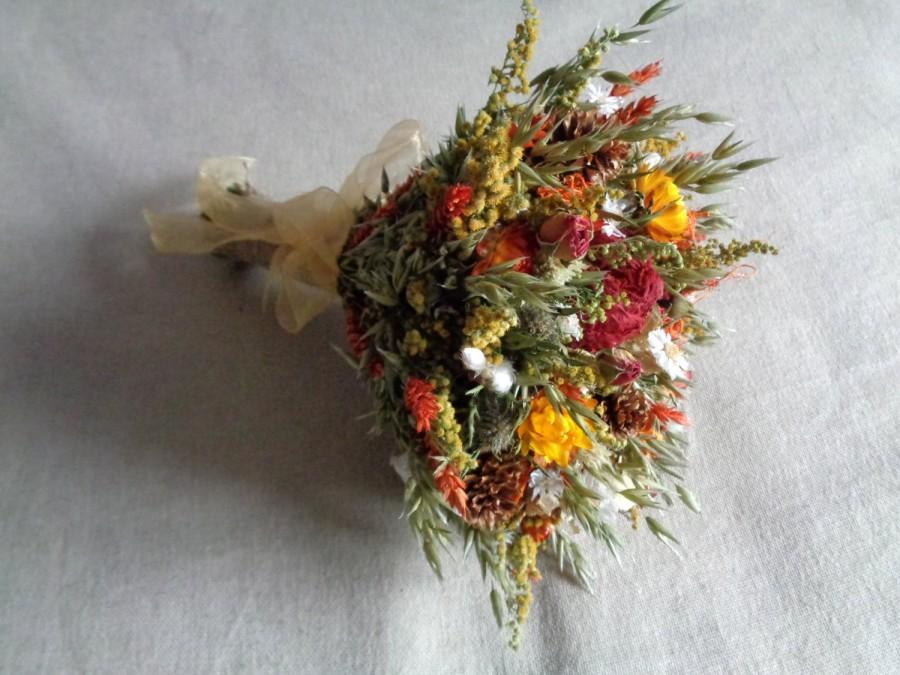 Hochzeit - Autumn country woodland bridal wedding  bouquet with orange and reds dried flower wedding  bouquet