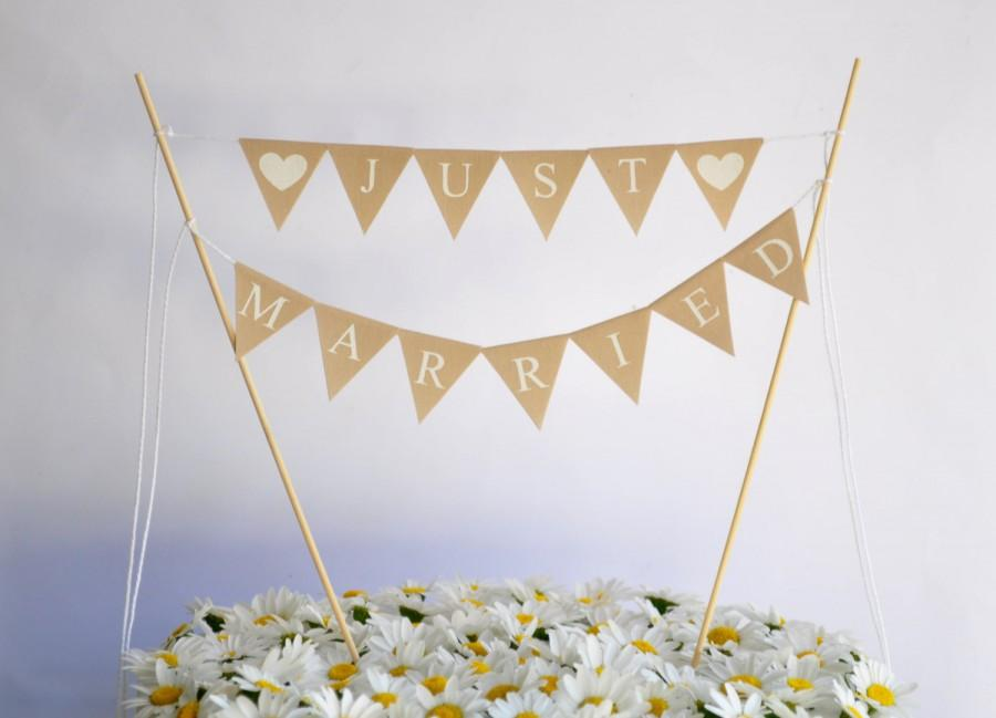 Hochzeit - JUST MARRIED Cake Topper Traditional Bunting Banner wedding party garland neutral beige cotton Wedding Bridal Engagement Celebration Party