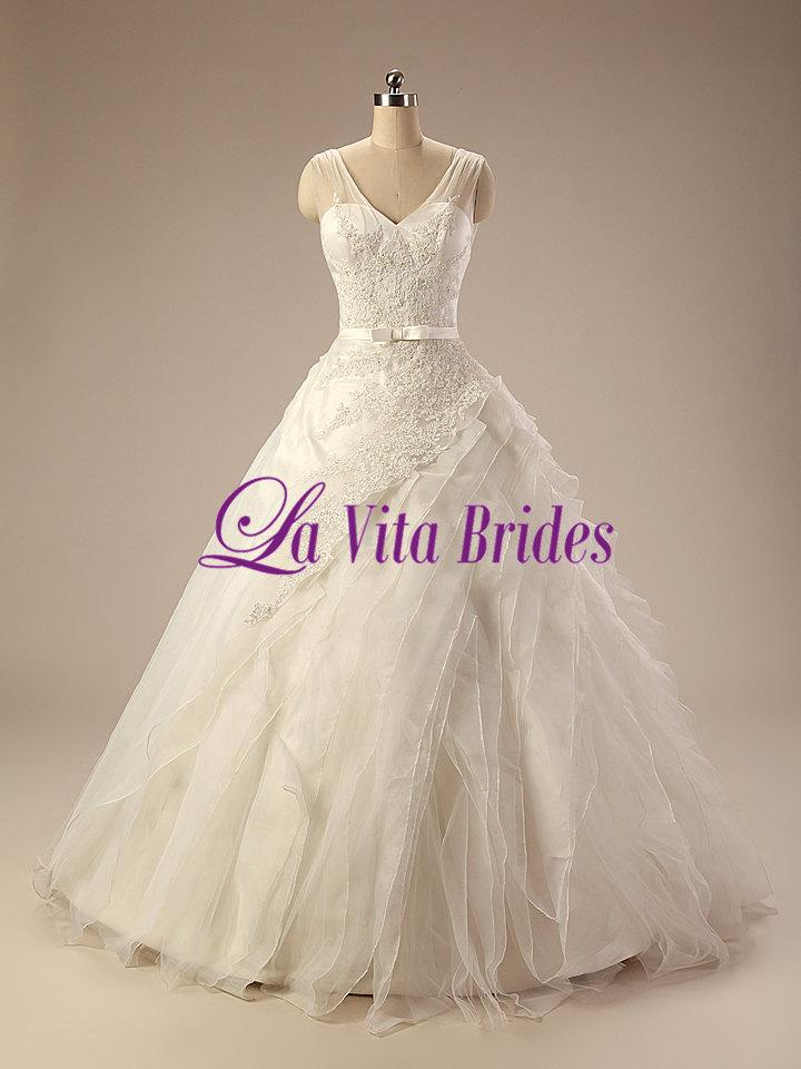 V Neck Tulle Straps Lace Wedding Gown With Bias Cut Tulle Skirt ...
