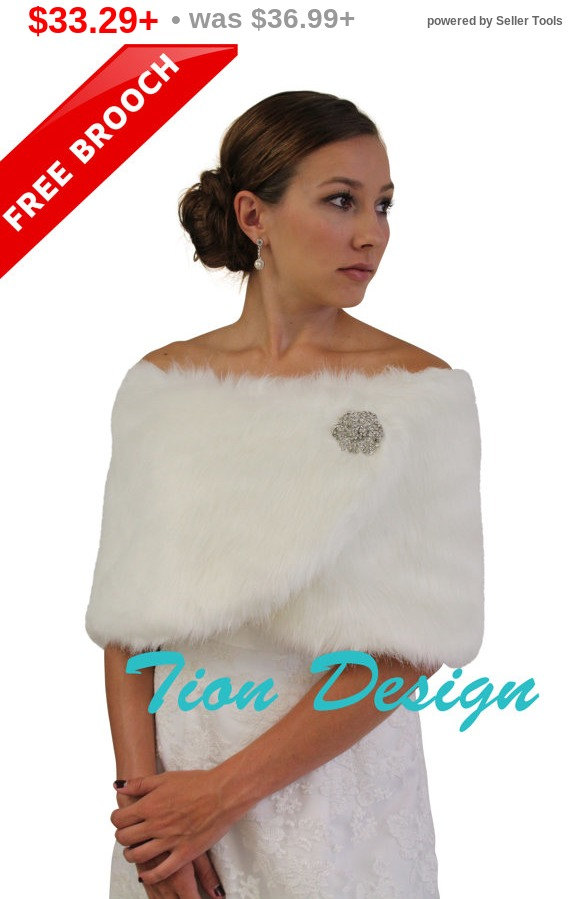 Mariage - PreHoliday Sale Bridal Fur Shrug, Ivory faux fur wrap, faux fur stole, faux fur shrug, faux fur shawl, bridal shawl 306NF-IVY