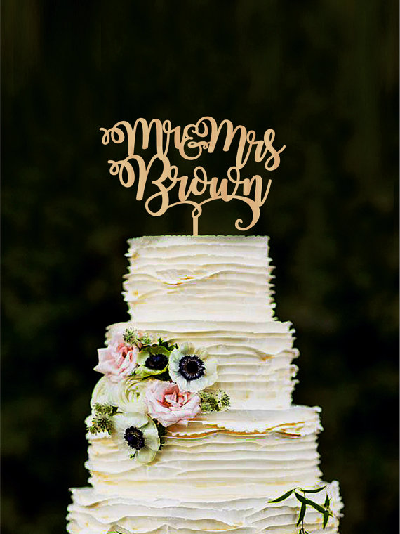 Mariage - Mr and Mrs wedding cake topper with last name custom bride and groom cake topper personalized cake toppers for wedding gold topper wood