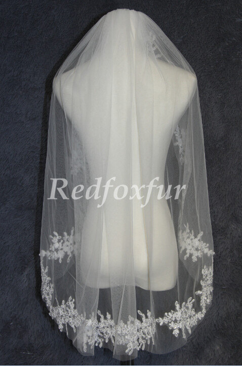 Mariage - Bridal veil/1 Tier wedding veil/lace applique edge Veil/Wedding Accessories/With comb