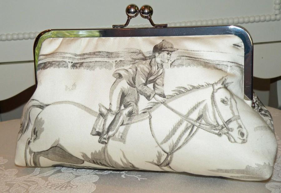 Свадьба - Equestrian Clutch/Purse/Bag..Horse and Rider Jumper..Cream with Gray Cotton Designer Toile Fabric
