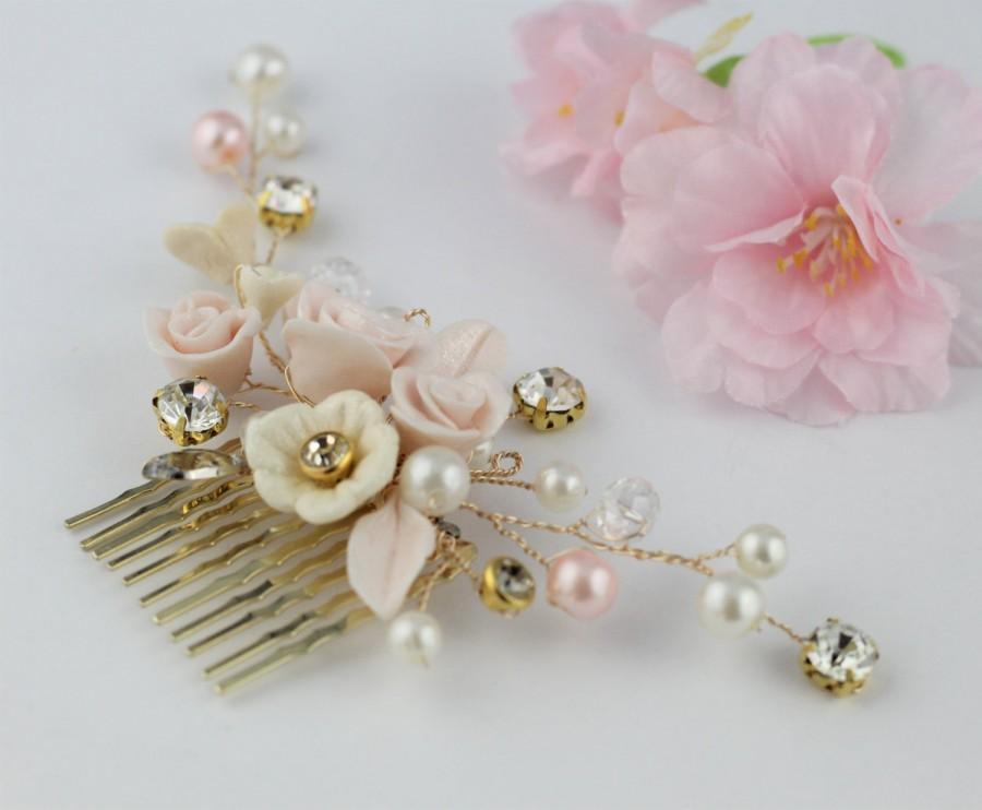 Свадьба - Blush Pink Bridal Comb, Wedding Comb Floral Vine Hair Accessory, Pink Ivory Gold Wedding Comb, Rhinestone Pearl Comb, Pink Wedding.