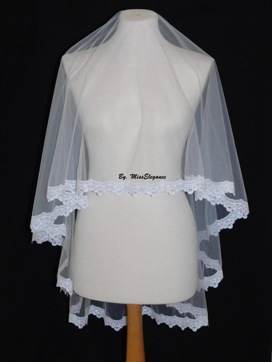 Mariage - Bridal veil, Wedding veil. Lace edge veil. Drop veil. kate middleton style drop veil. Lace edge veil. Waist Length veil.