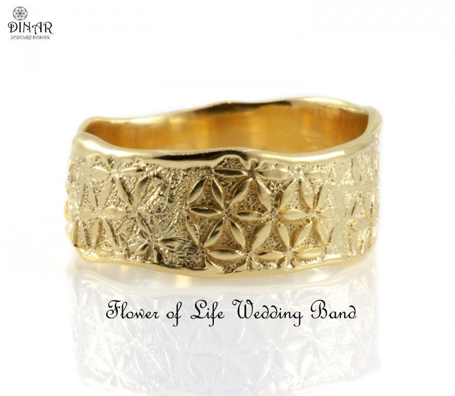 Свадьба - flower wedding band - 14k gold band, wide women singel band, men's wedding ring, botanical design, engraved flowers, floral motif, gold band