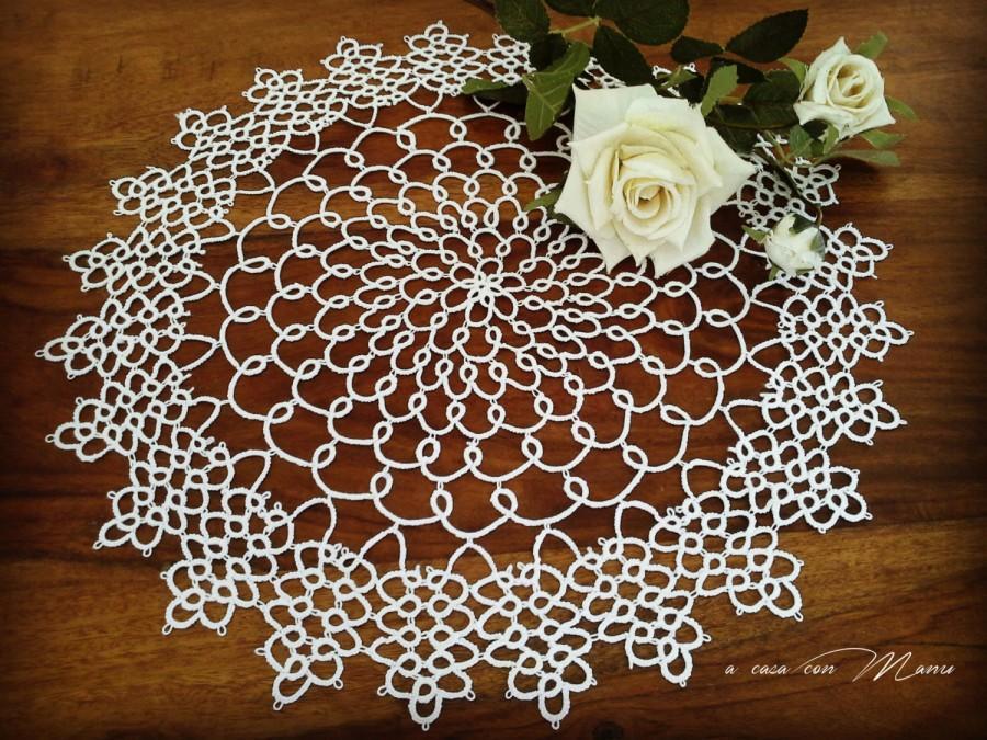 Mariage - Centrino rotondo a chiacchierino in cotone bianco, round center, tatting, doily tatting,  centrotavola, handmade, bianco,  made in Italy