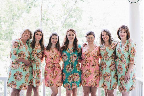 زفاف - Bridesmaids Robes Kimono Crossover Robe. Bridesmaids gifts. Getting ready robes. Bridal Party Robes. Floral Robes. Dressing Gown