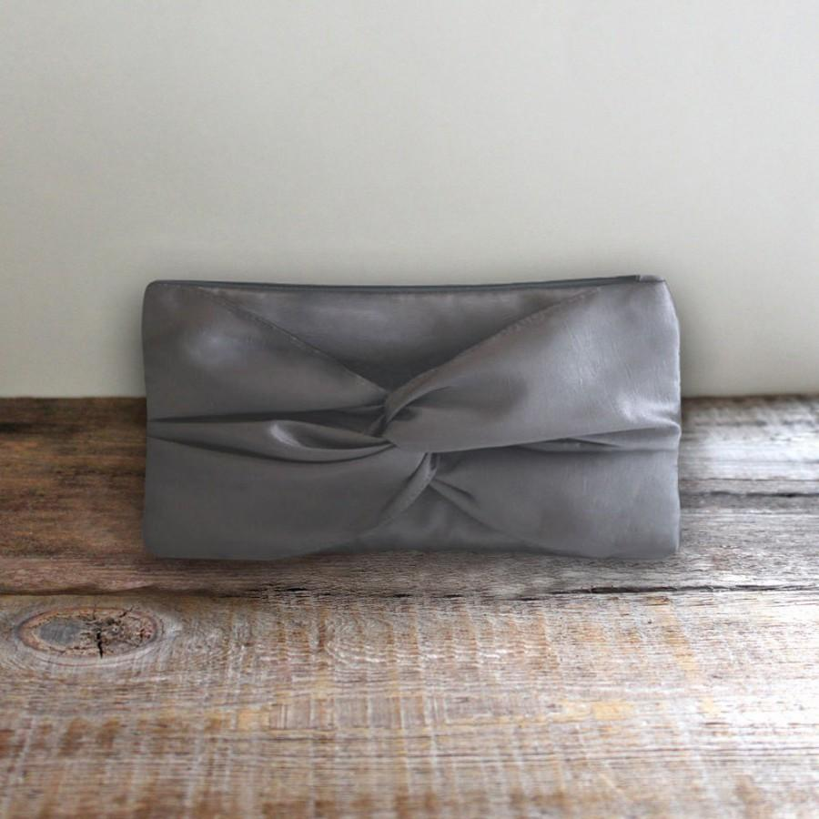 Hochzeit - Knotted Gray Clutch For Bridesmaid Gift- Pewter Gray Bridal Clutch