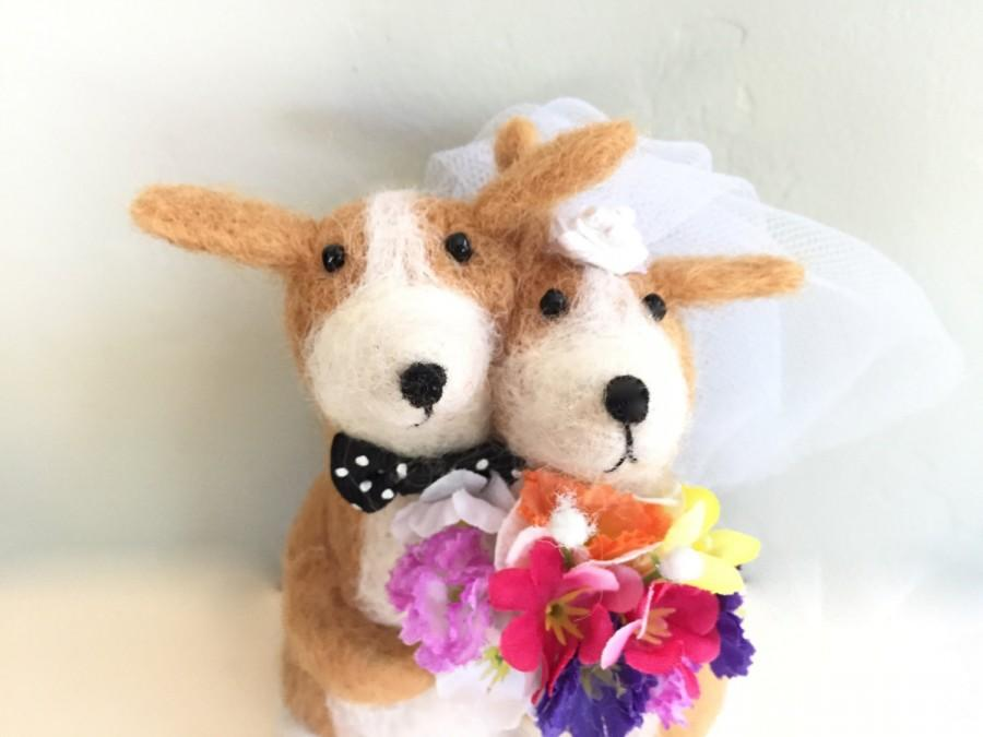 Hochzeit - Needle felted dog wedding cake topper dog cake topper needle felted animal cute bouquet white felting love yellow Labrador Retriever lab red