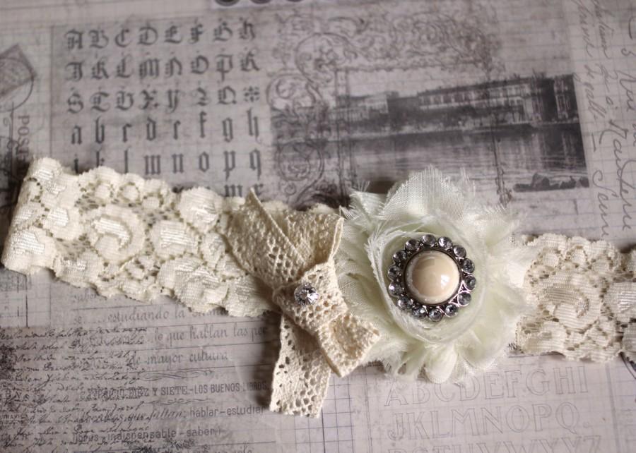 زفاف - GISELE: Ivory Wedding Garter. Vintage-Style Cotton Lace Bow.