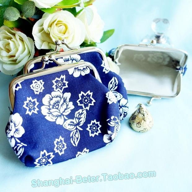 زفاف - Beter Gifts® Cherry Blossom White And Cobalt Blue Coin Purse BETER-HH066 http://item.taobao.com/item.htm?id=520957088880