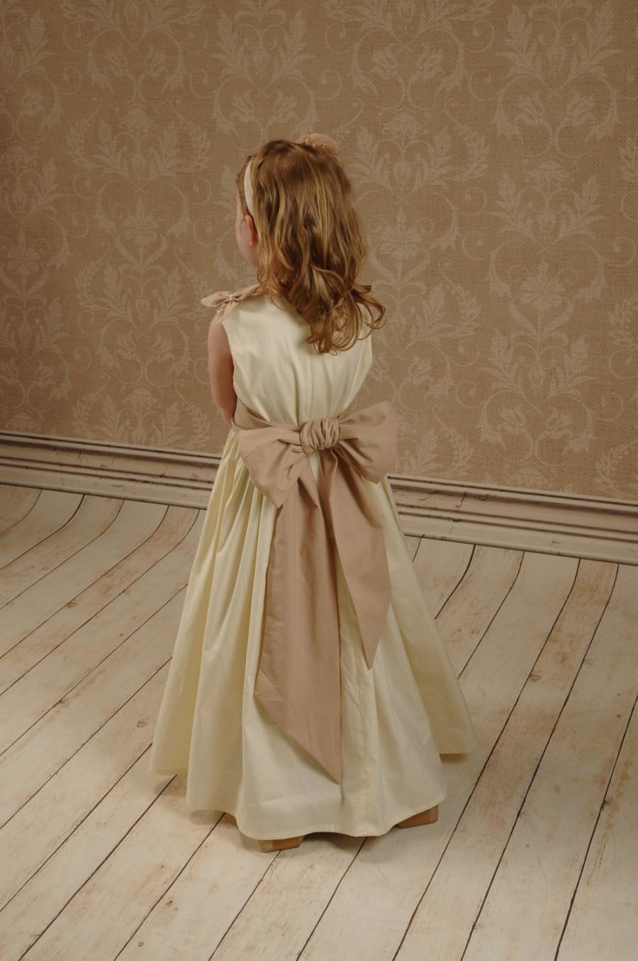 زفاف - Flower girl dress, Country flower girl dress, rustic flower girl dress, ivory flower girl dress,country wedding, rustic wedding