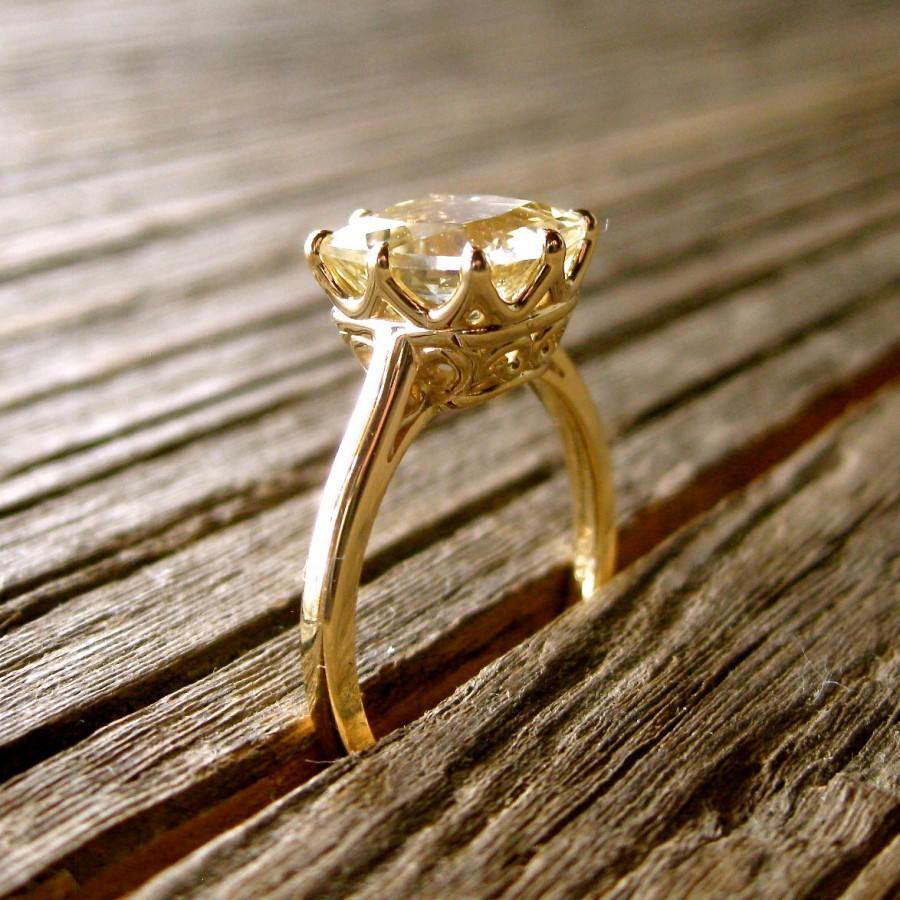 Mariage - Cushion Cut Lemon Quartz Engagement Ring in 14K Yellow Gold with Scrolls on Basket Size 6