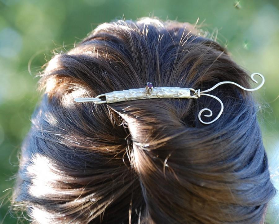 Mariage - Artisan hair jewelry - Sterling silver and garnet hair piece - Wedding hair jewelry - Originally designed - Unique - Eyes of Merlin
