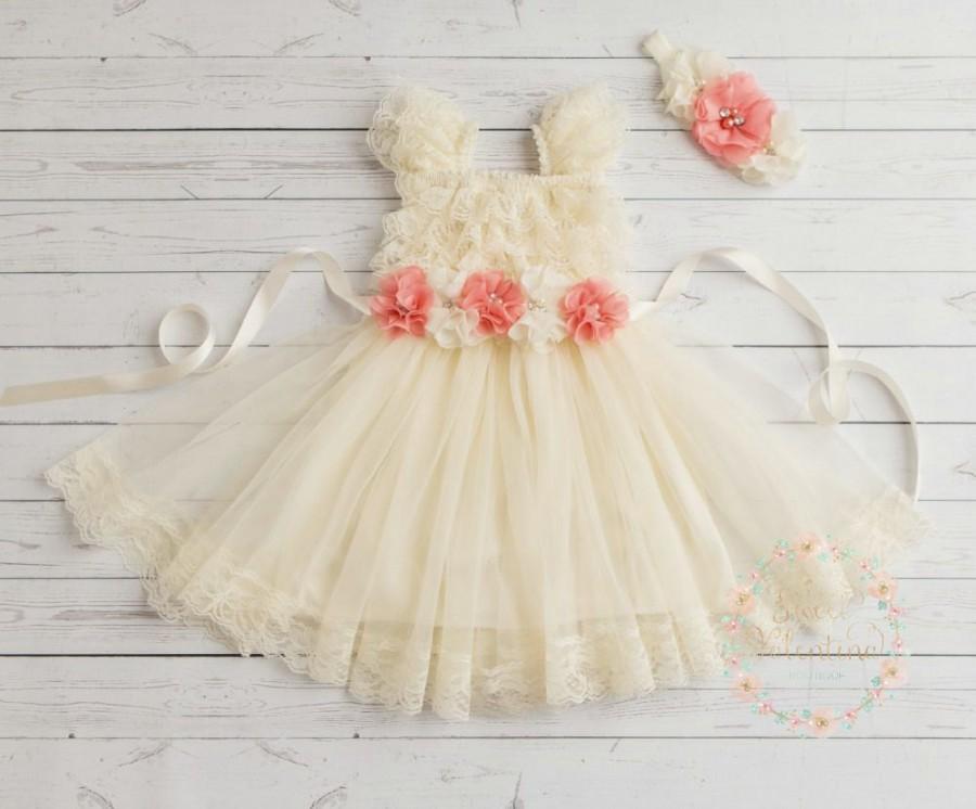 Mariage - Baby dress, Girls dress, Ivory lace dress, Ivory lace flower girl dress,Easter dress, Christening dress, birthday dress, Baptism dress.