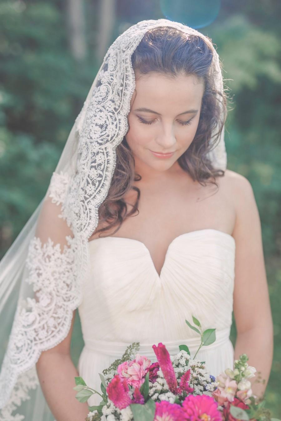 Mariage - chapel length mantilla veil, lace mantilla veil, lace mantilla, lace wedding veil, lace bridal veil, mantilla with lace - SAVANNAH