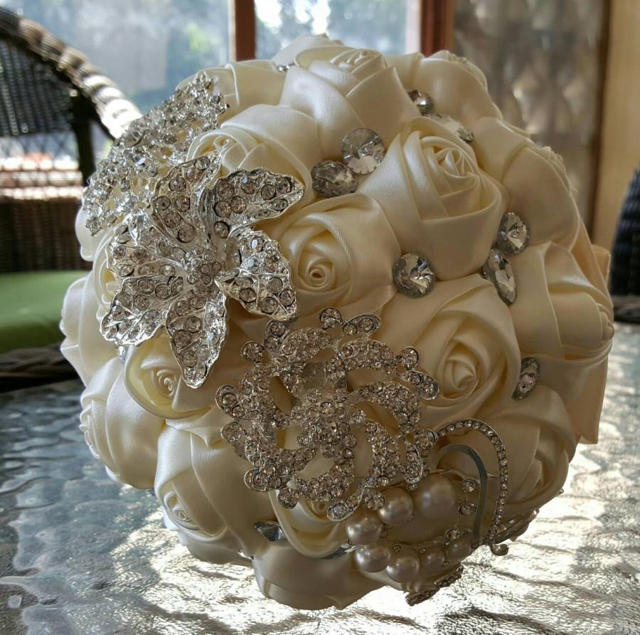 Mariage - Ivory Brooch Wedding Bouquet