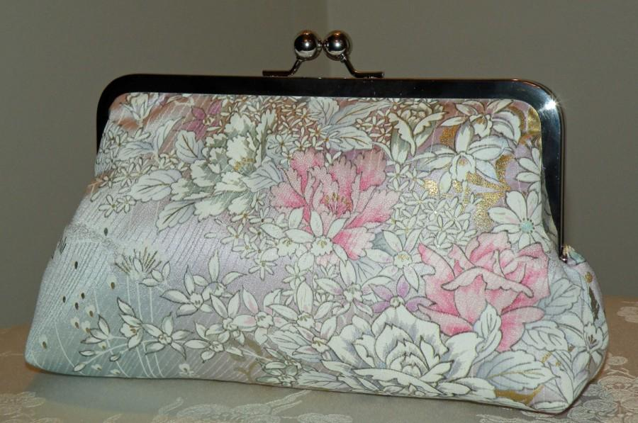 Mariage - Silk Kimono Fabric Clutch/Purse/Bag..Orchids..Roses..Cherry Blossoms..Pastels..Lavendar..Bridal/Wedding Gift..Wrap/Scarf available..OOAK