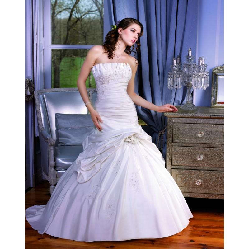Düğün - Elegant A-line Strapless Lace Ruching Sweep/Brush Train Taffeta Wedding Dresses - Dressesular.com