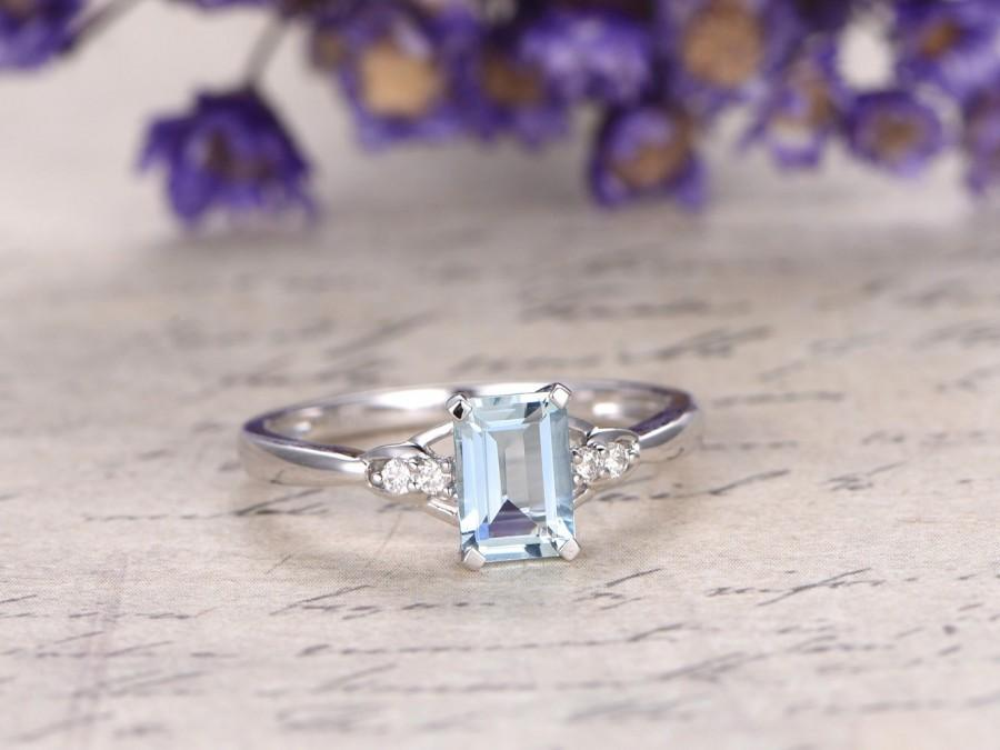 Mariage - Aquamarine engagement ring with diamond,Solid 14k white gold,classic design,promise ring,bridal,5x7mm emerald cut custom made fine jewelry
