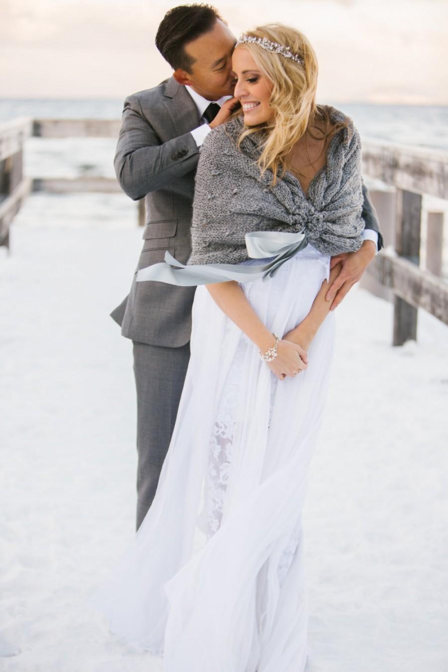 Mariage - Grey Wedding Shawl,Bridal Shrug Bolero,Bridal Wedding Stole, White Wedding Capelet,Wedding Cape,Bridal Cover up, Bridal Wrap,Wedding Shrug