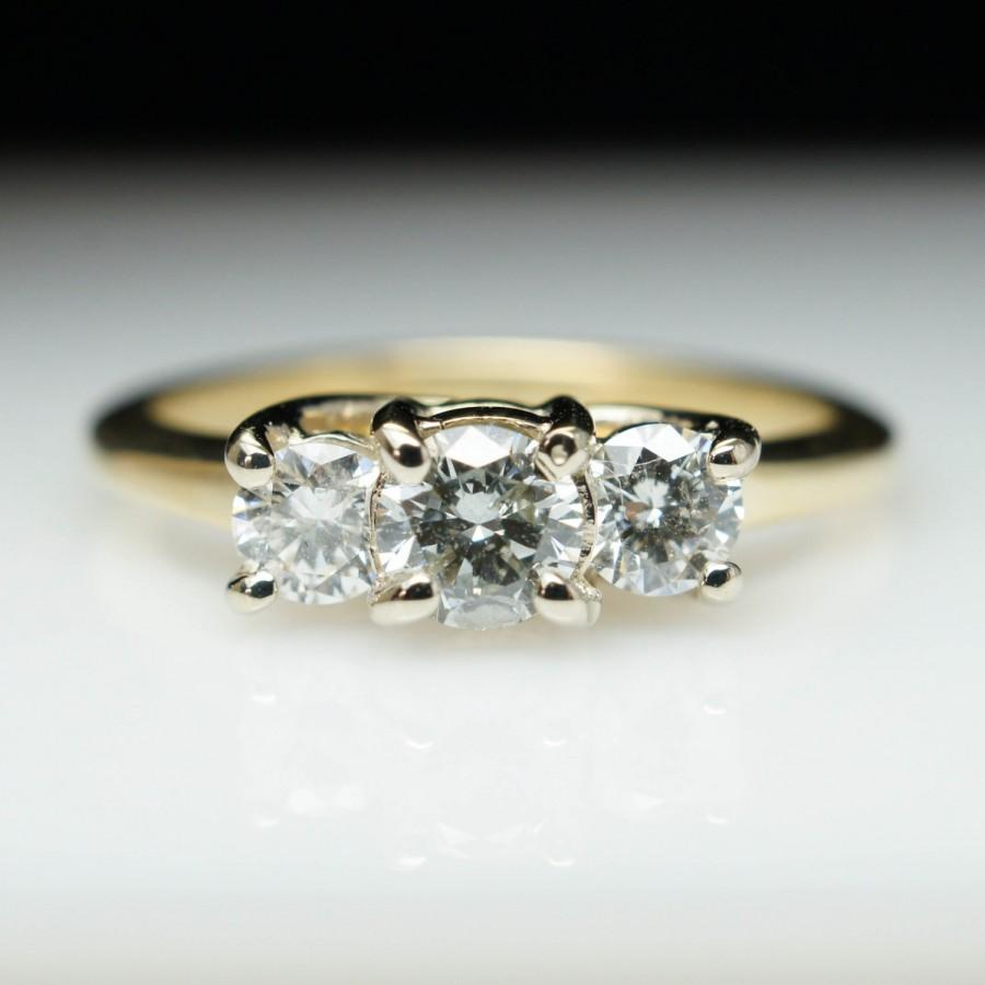Mariage - Dainty Vintage Engagement Ring Unique Engagement Ring 3 Stone Diamond Diamond Engagement Yellow Gold Simple Round Diamond Ring Wedding Ring