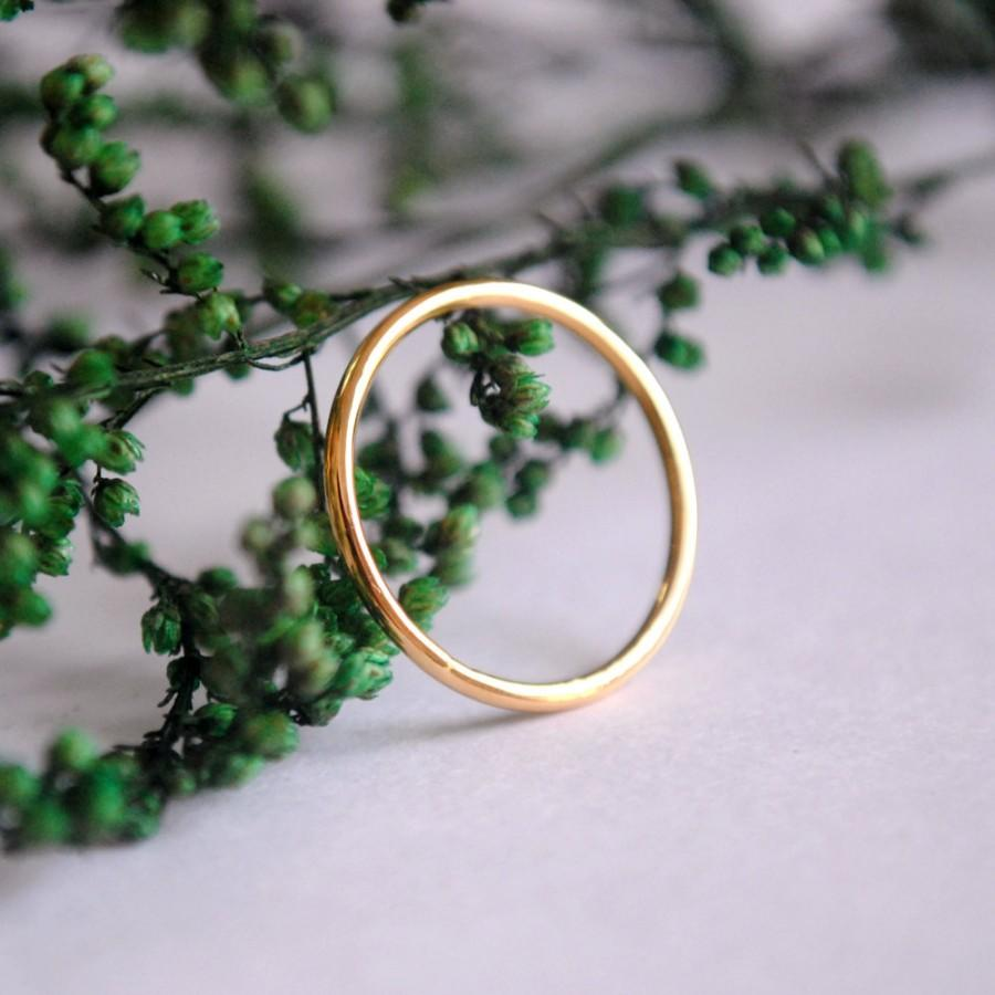 Mariage - Dainty Gold Ring. Thin Wedding Band. Skinny Gold Stacking Ring. Simple 14K Gold Ring. Solid Gold Ring, Mid Ring, Knuckle Ring.