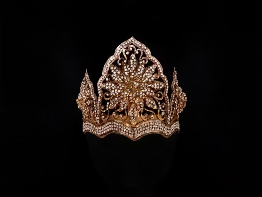 Hochzeit - Vintage Indonesian Mahkota, Diamante-Encrusted Bridal Crown, Traditional Arabesque Gold Filigree Fairytale Wedding Princess Flower Headdress