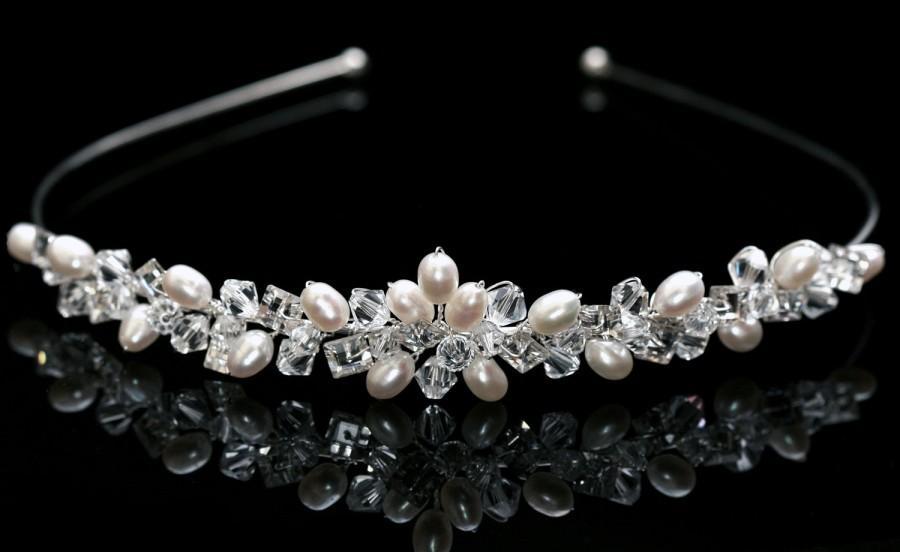 Свадьба - Bridal Wedding Tiara made with Swarovski Crystal  Beads, Rhinestones & Pearls
