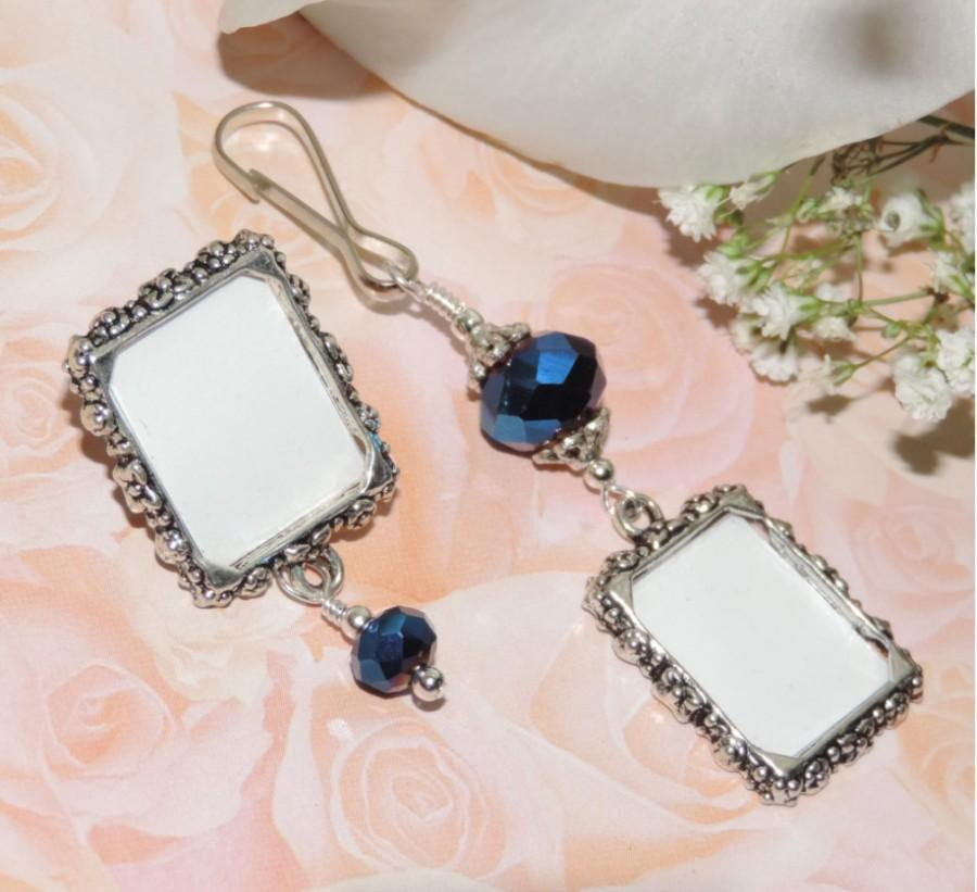 Mariage - His & hers set. Wedding bouquet photo charm and photo lapel pin. Wedding keepsakes. Gift for a couple. Something blue for a bride and groom