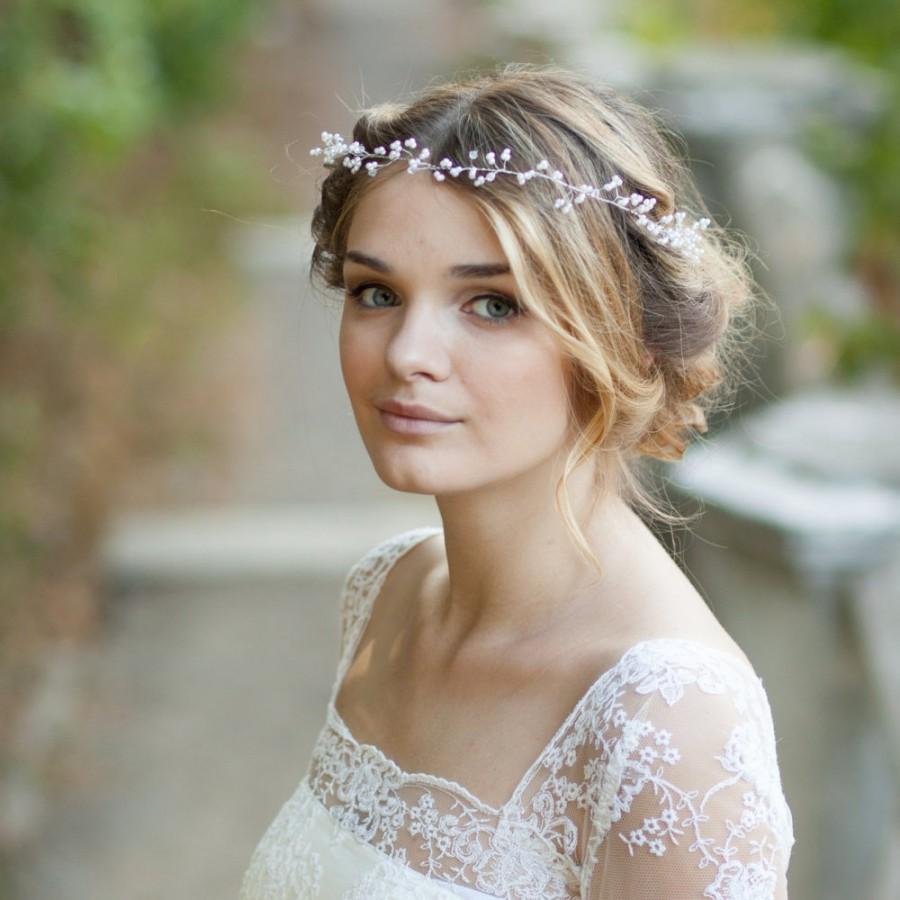 Mariage - Baby's breath hair vine Pearl bridal hair vine Wedding hair vine Delicate pearl bridal headband Pearl bridal hair wreath Bohemian hair vine