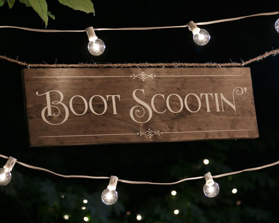 """Свадьба - Rustic Chic """"Boot Scootin' """" Wood Dance Floor Sign for your Country, Western, or Urban Wedding Reception or Party"""